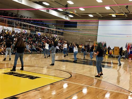 Mountain Pointe's BSU Step Team performs at MDN