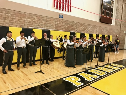 Maryvale HS Mariachi performs at MDN